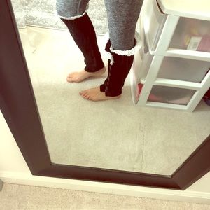 Accessories - Black and white stylish lace leg warmers
